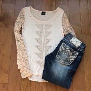 Daytrip lace sleeve top small